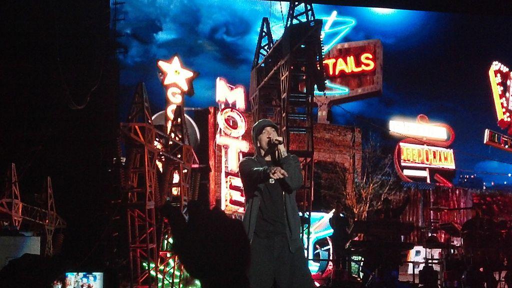 Eminem rapping at Lollapalooza.