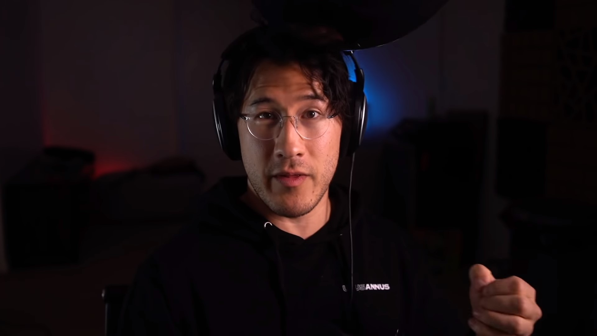 Markiplier wearing black clothes on YouTube video