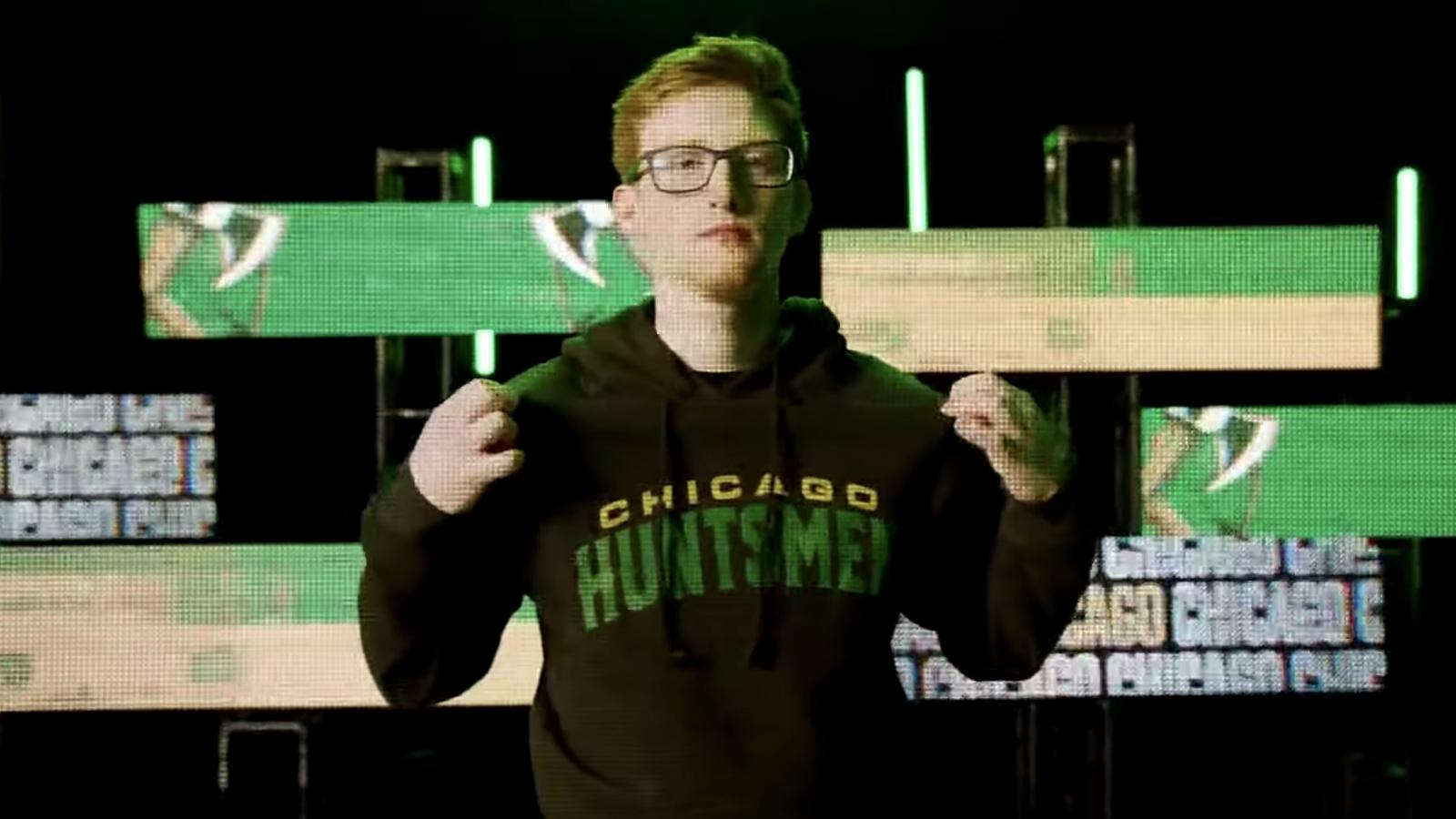 Scump in Chicago Hunstmen hoodie