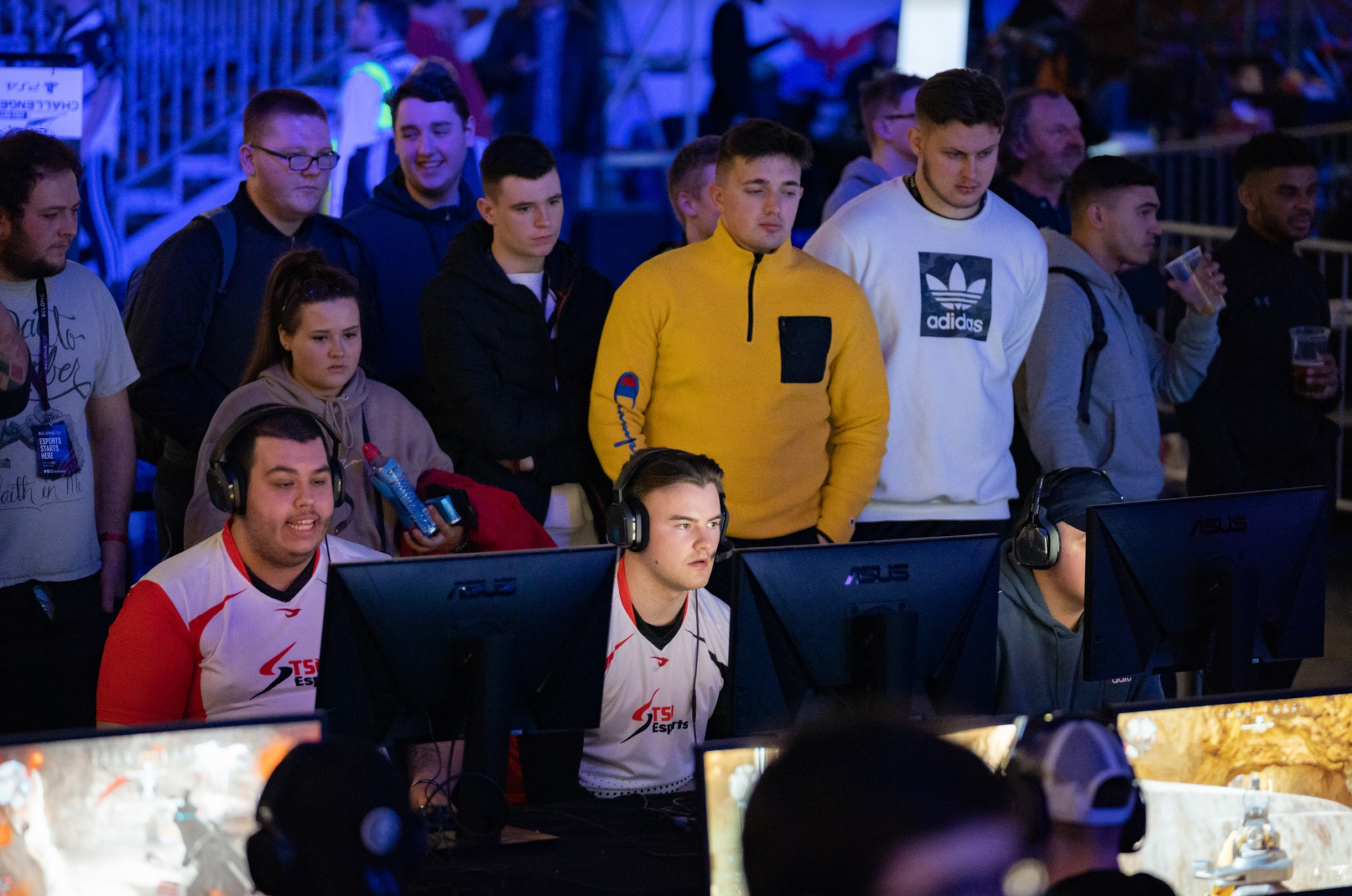 Call of Duty Challengers players at LAN event