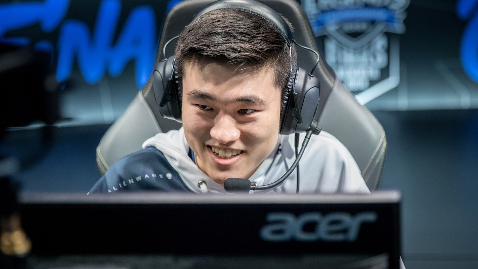 Pobelter in Team Liquid jersey close up on stage at LCS