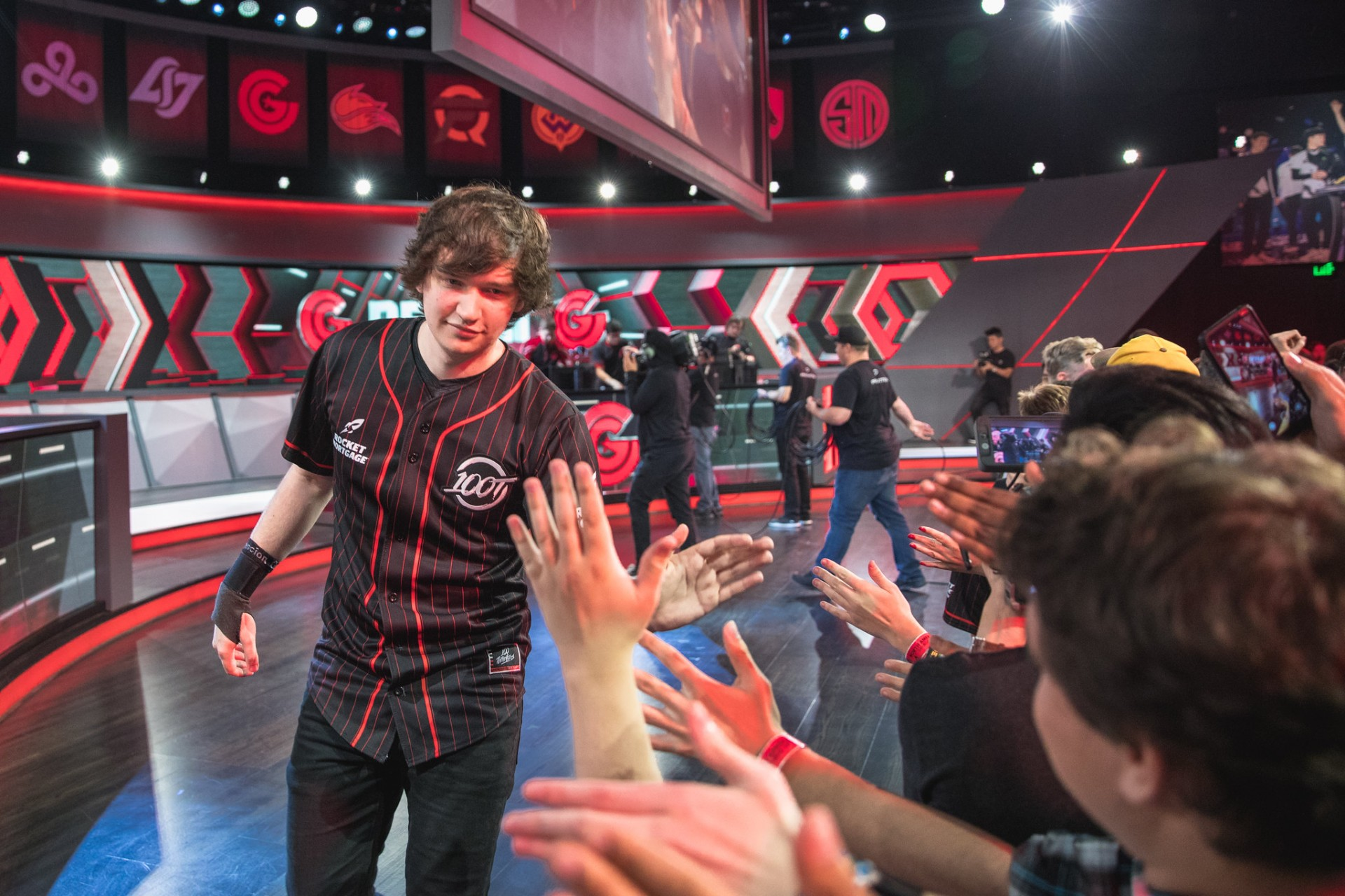 Meteos playing for 100 Thieves in the LCS in 2018