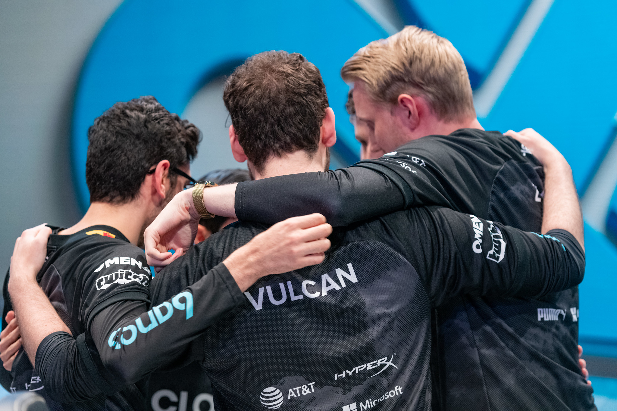 Cloud9 in team huddle during LCS