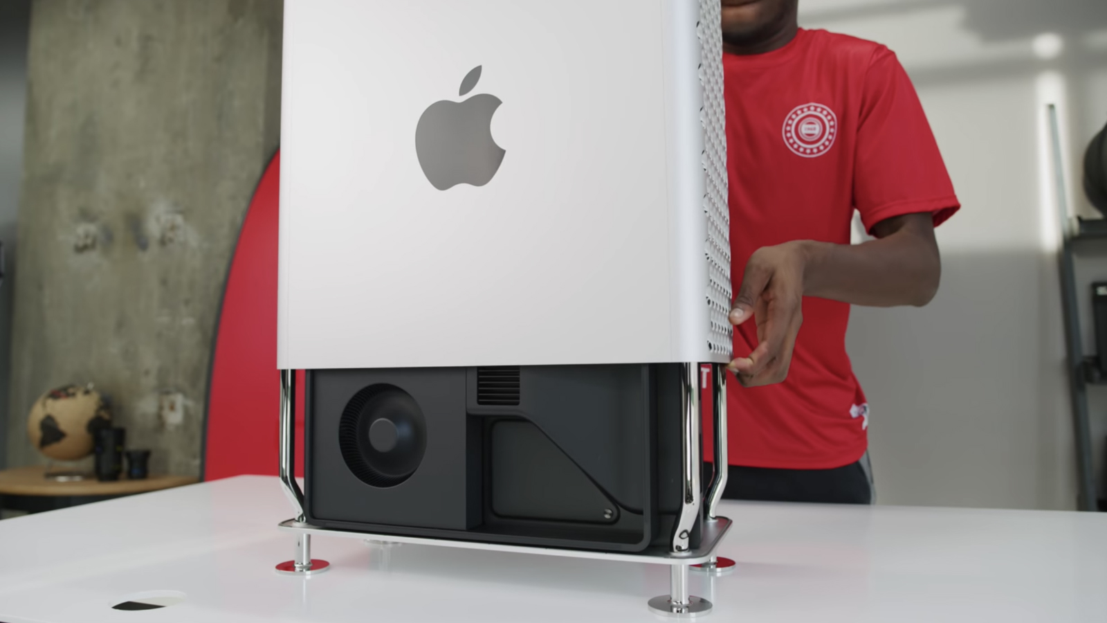 Mac Pro case being removed by Marques Brownlee
