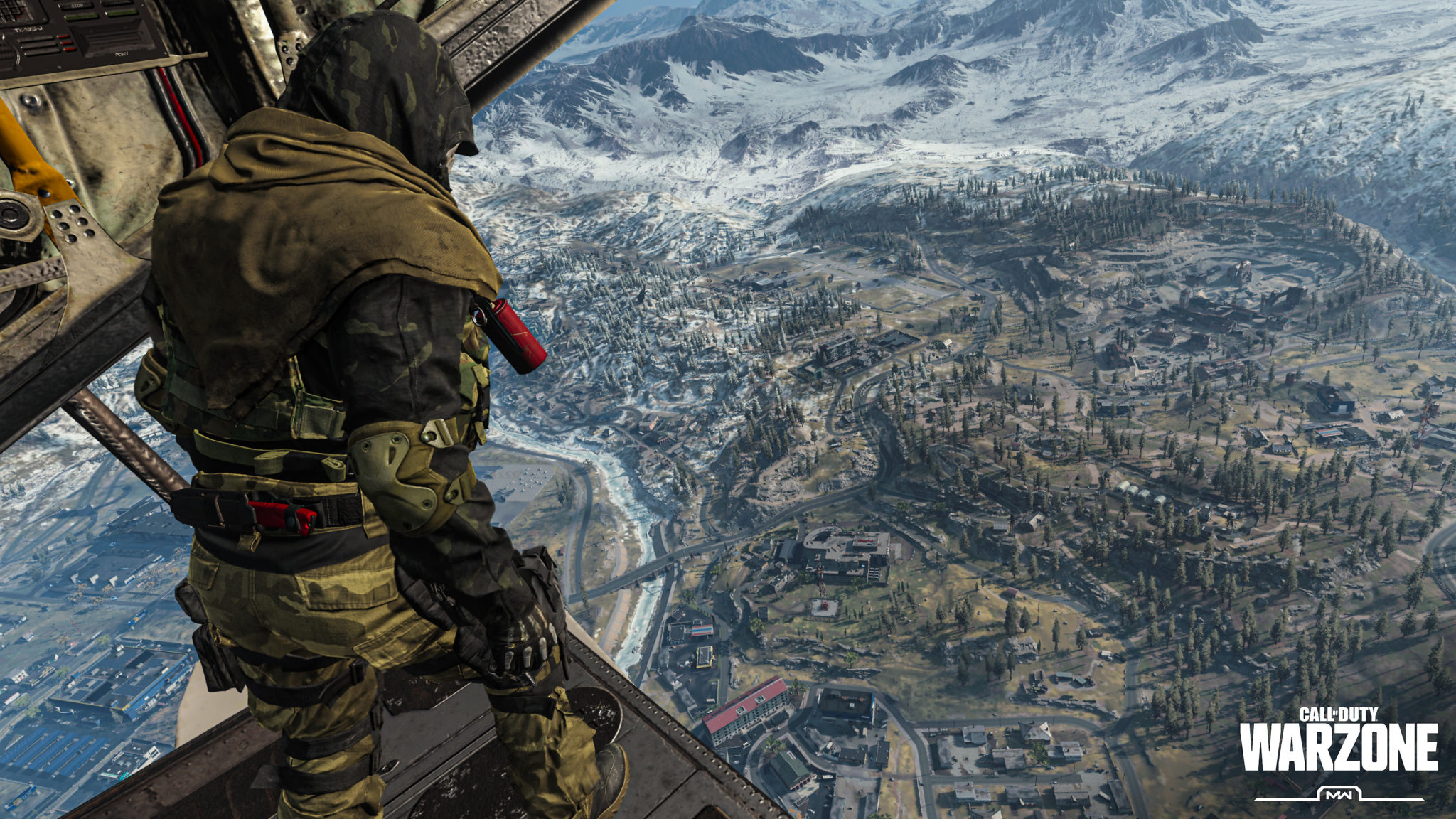 Player looking into Verdansk on Warzone.