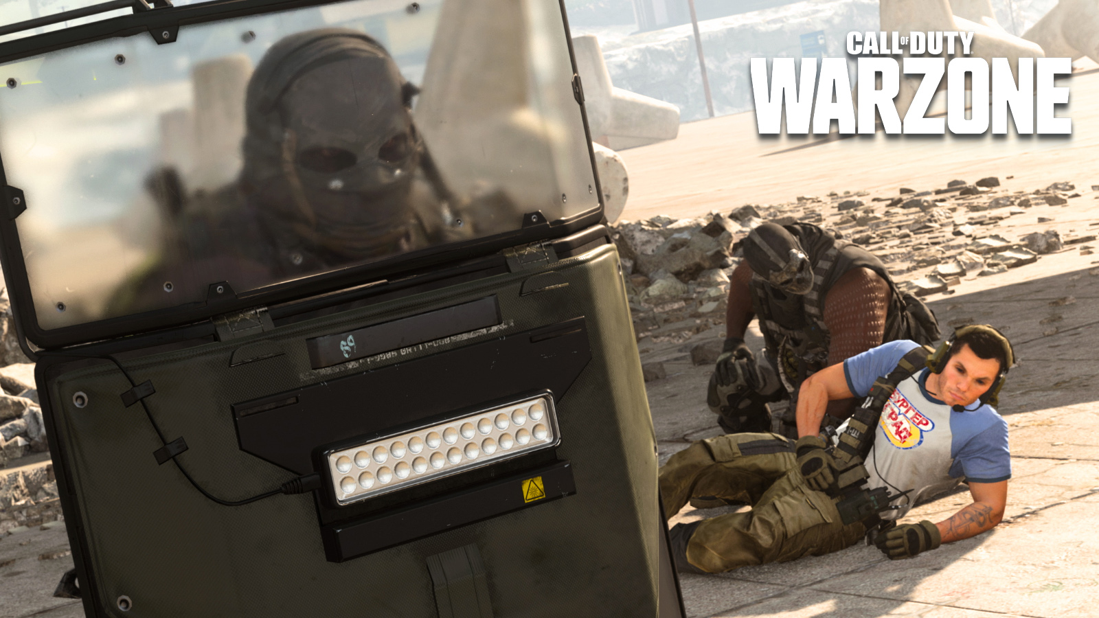 Player being revived in Warzone.