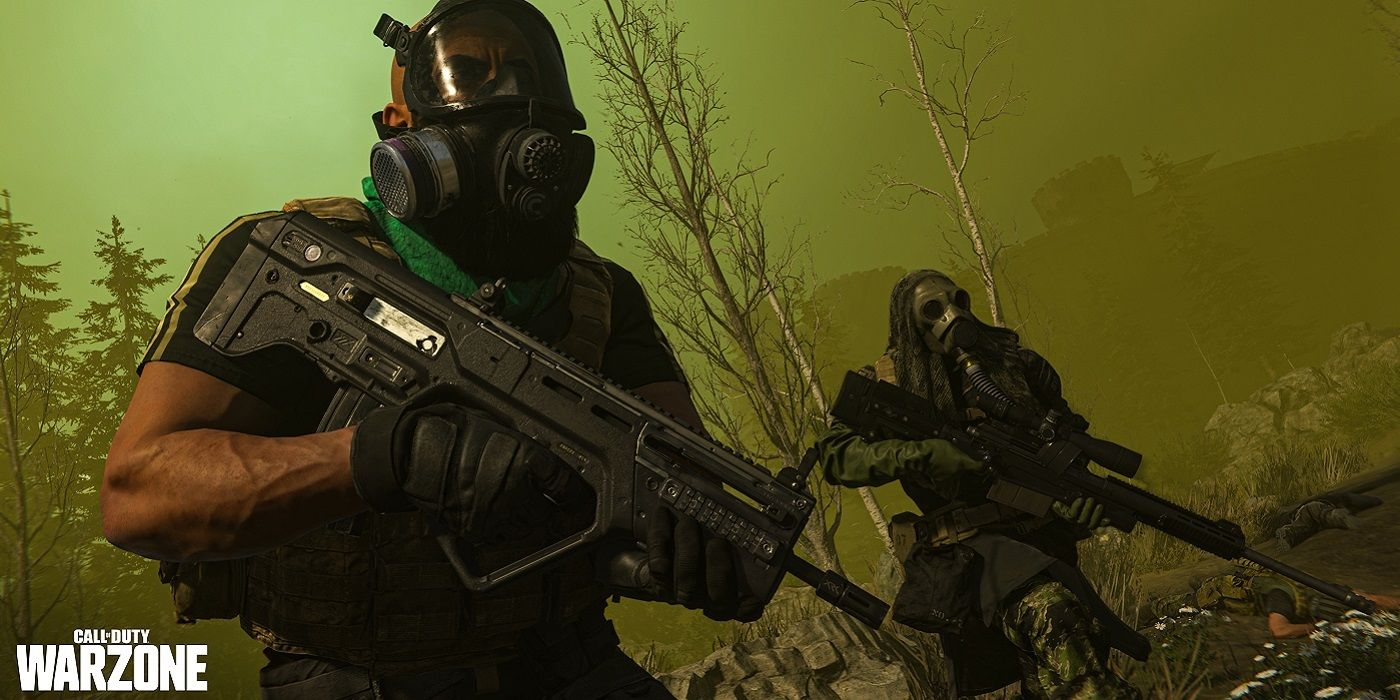 Player wearing a gas mask in Call of Duty: Warzone.