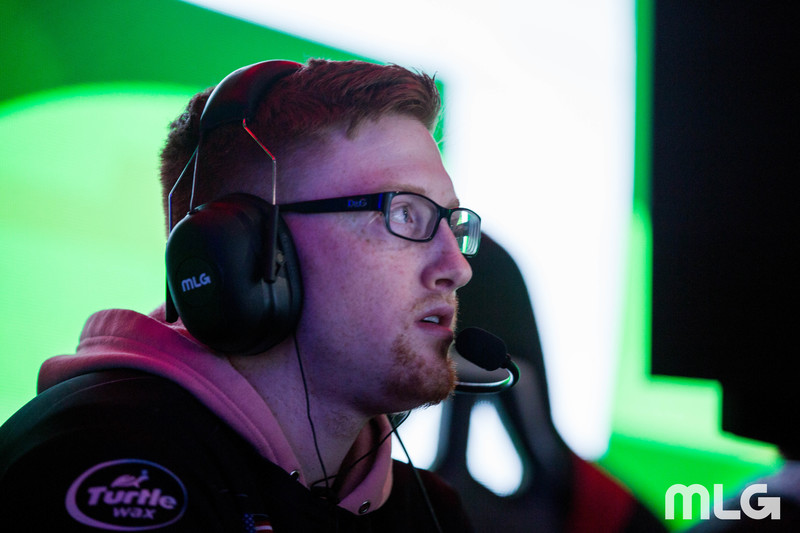 Scump competing for OpTic Gaming.