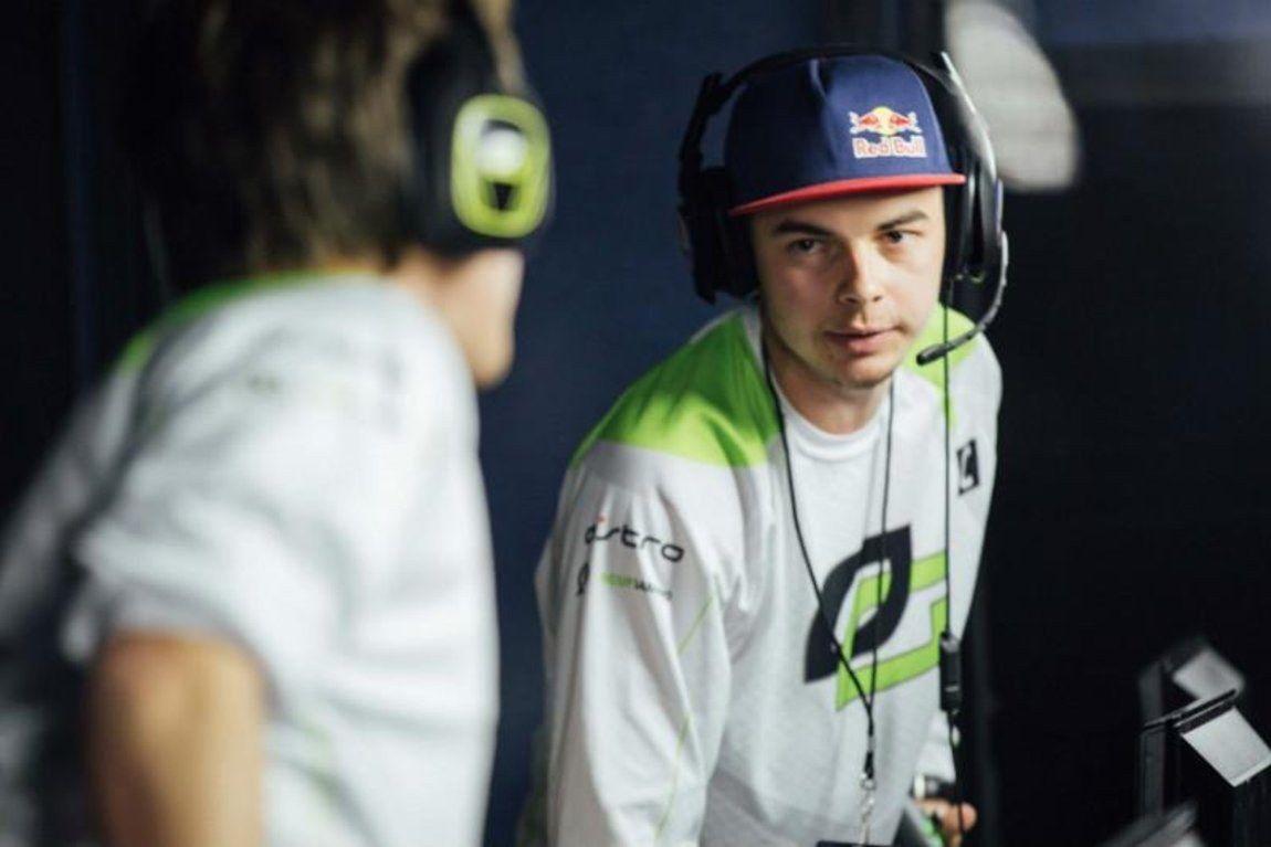 Nadeshot playing for OpTic Gaming