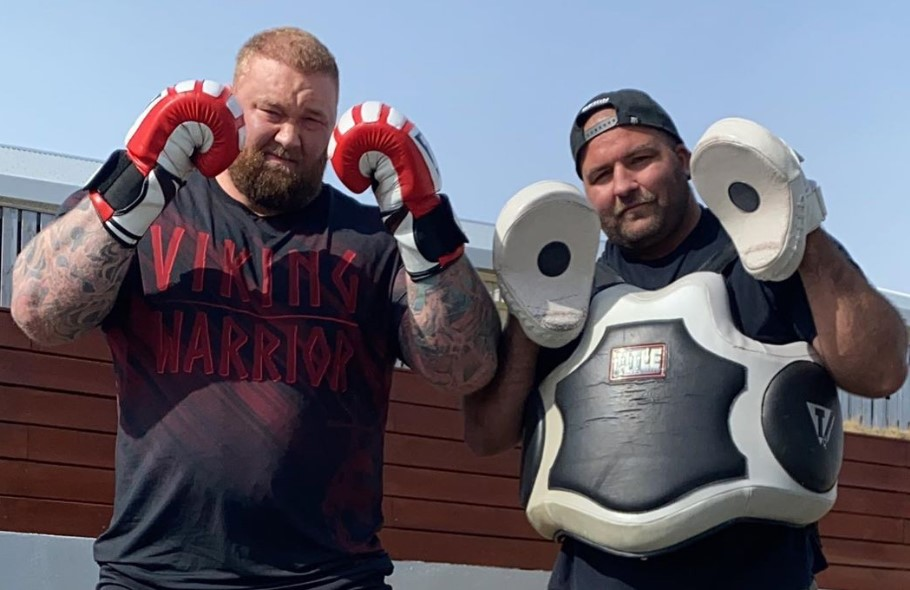 Hafthor Bjornsson with coach during prep for fight versus Eddie Hall.