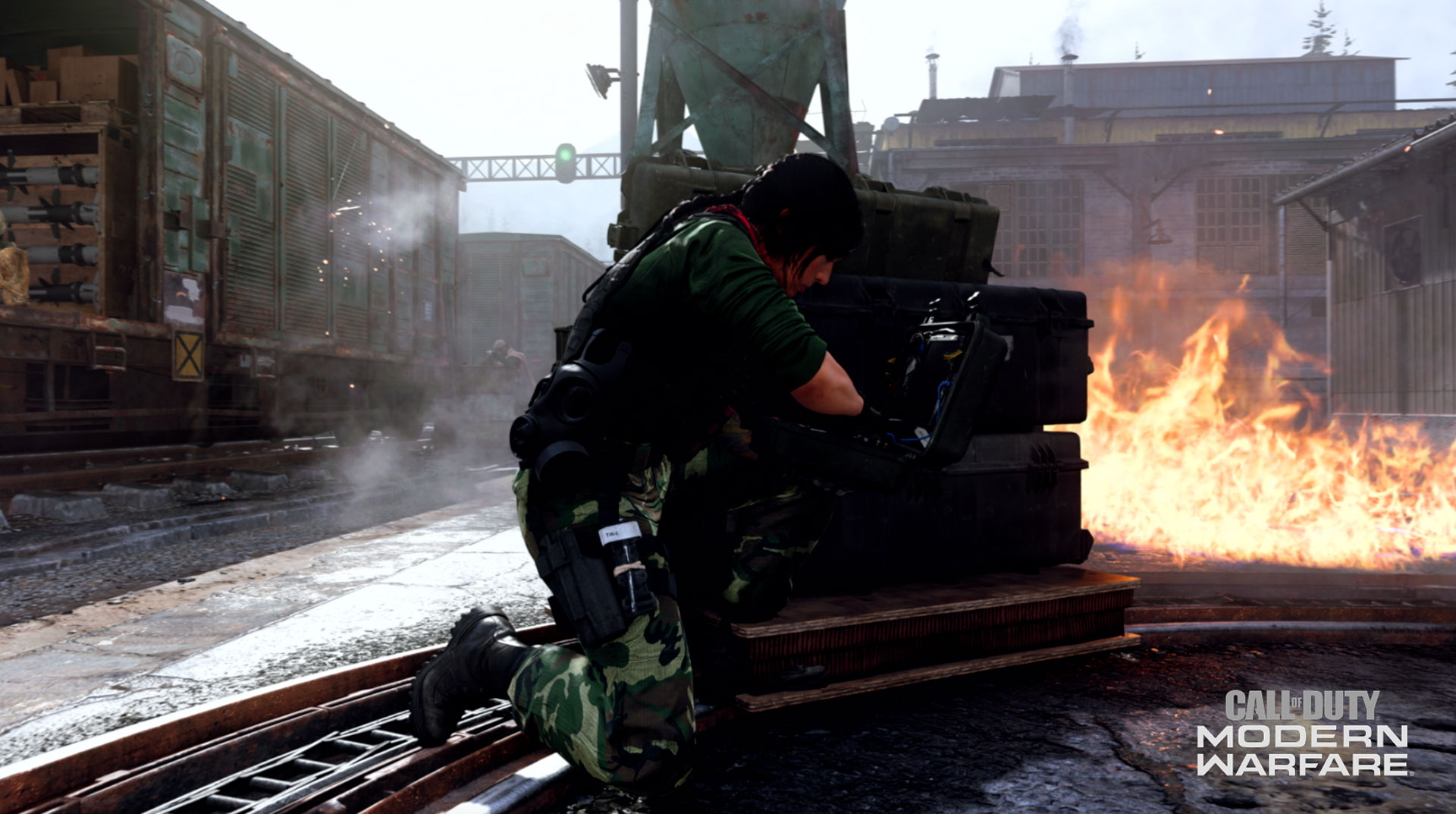 Player defusing bomb in Modern Warfare.
