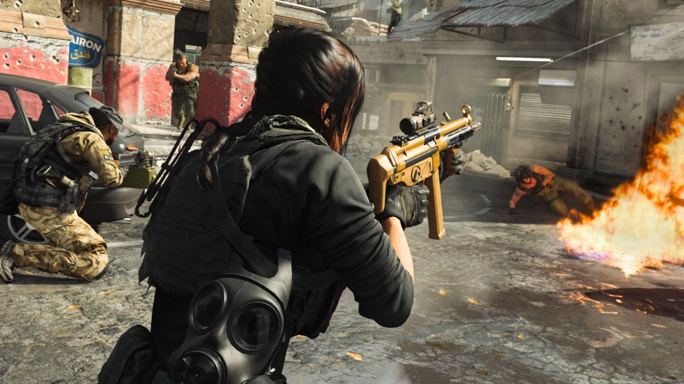 Player shooting MP5 in Call of Duty: Modern Warfare.