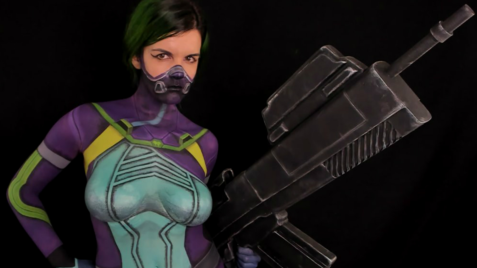 Body painting streamer on Twitch