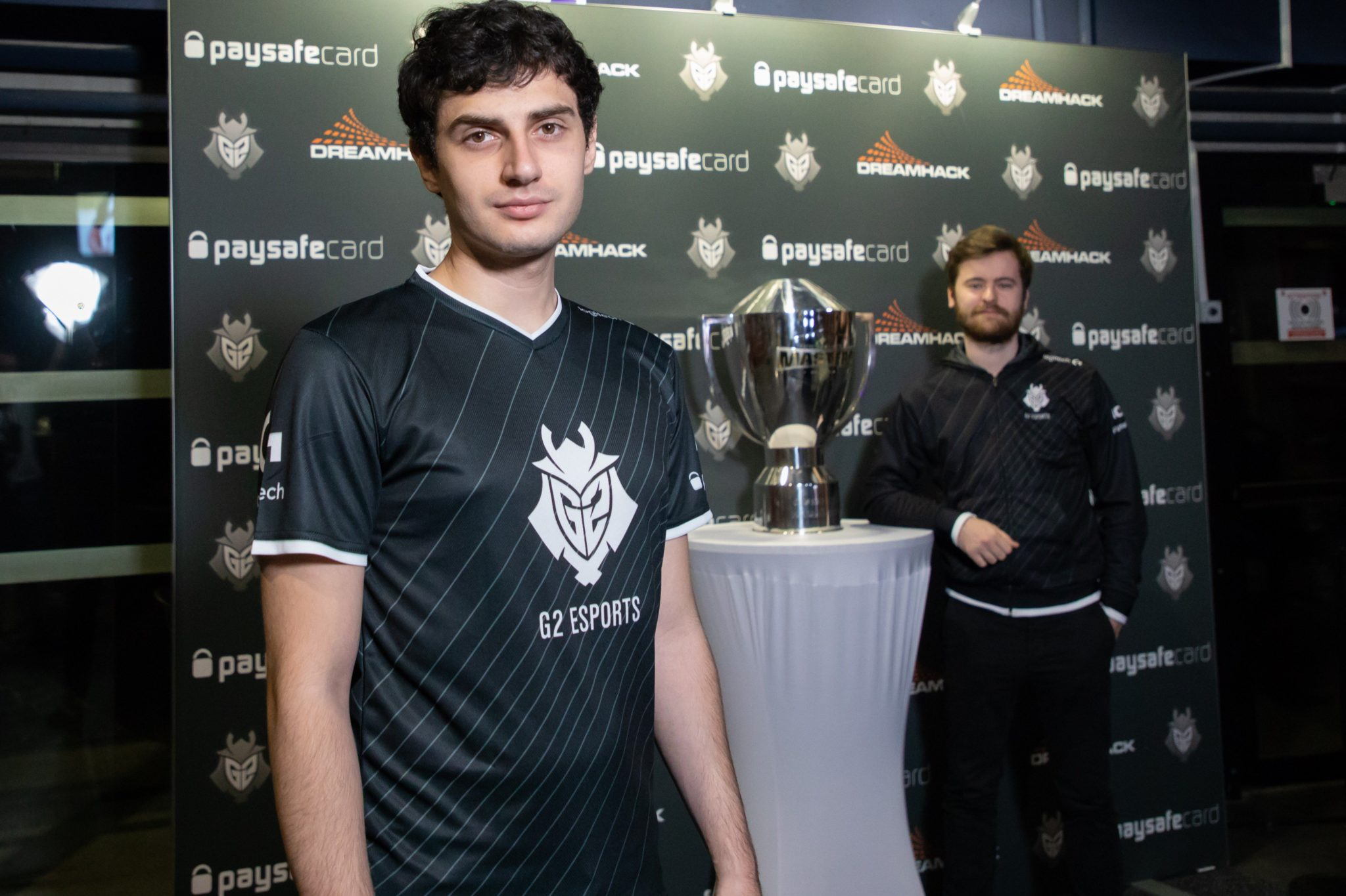 Mixwell with NBK for G2 Esports.