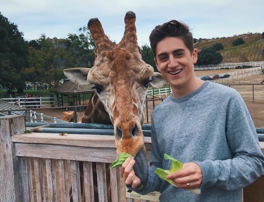 youtuber danny gonzalez with giraffe