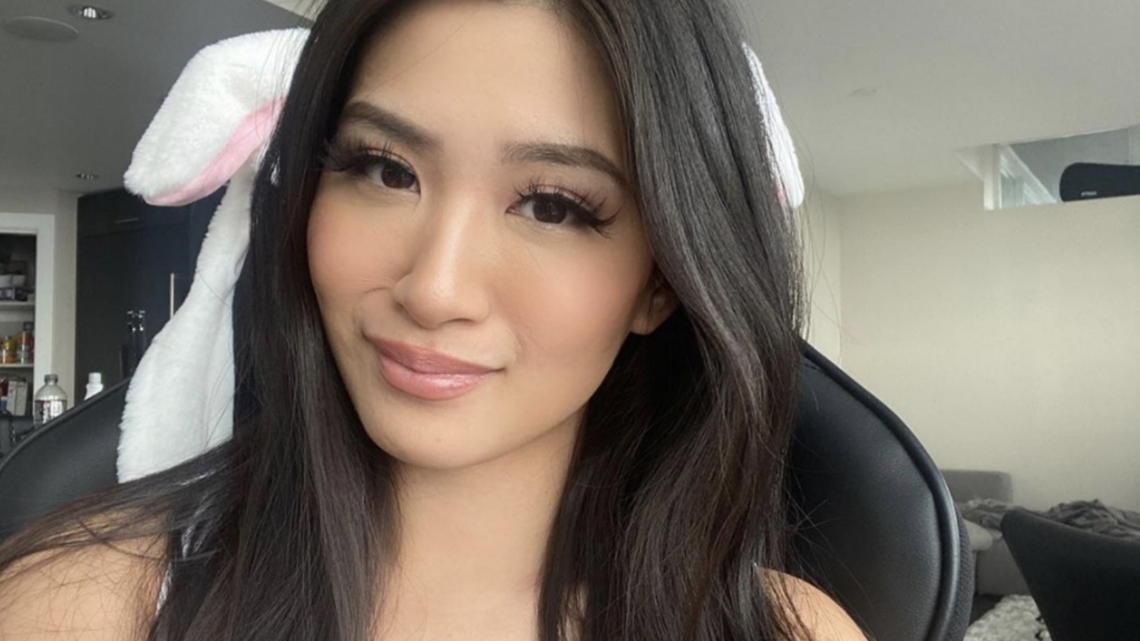 Ohlana streaming on Twitch