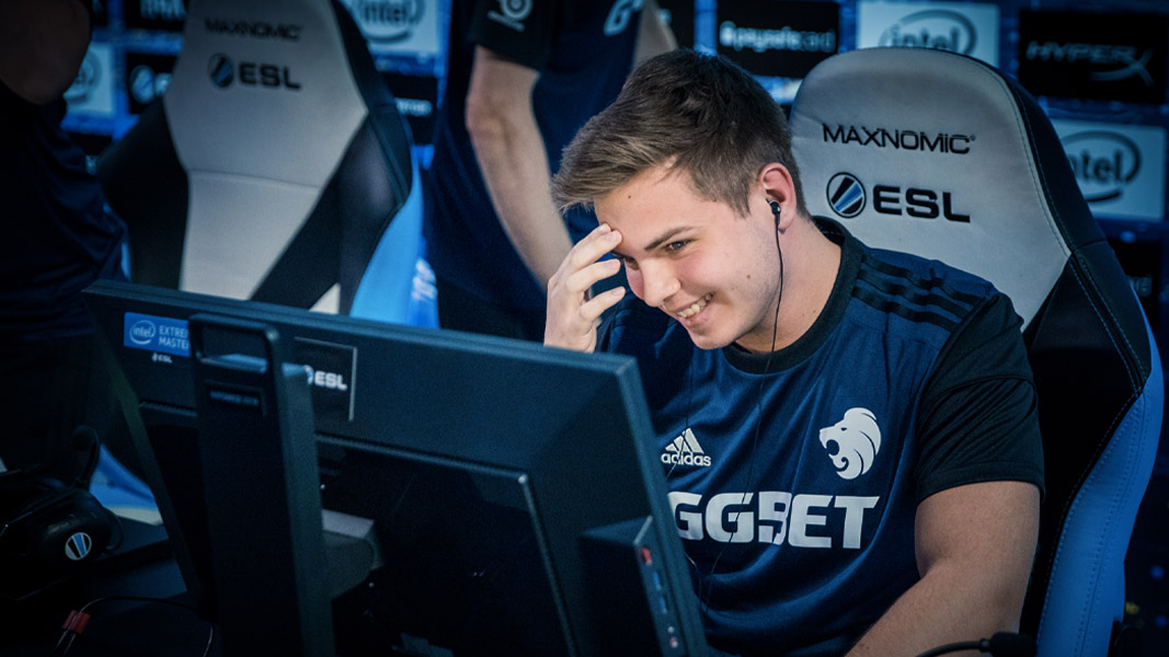 kjaerbye playing for North at an ESL event.