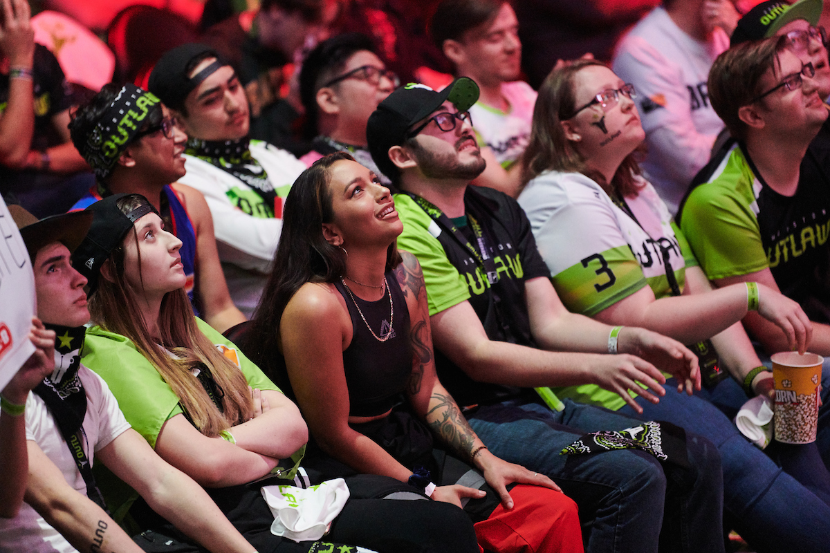 Houston Outlaws fans at an Overwatch League homestand event