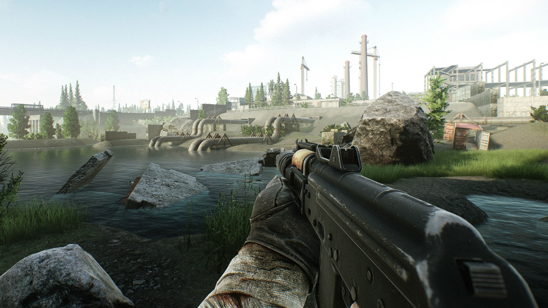 Escape from Tarkov player explores Customs before Patch 0.12.7.