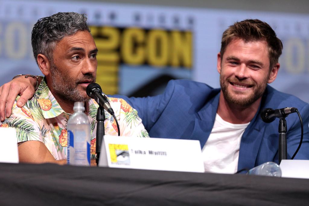Taika Waititi and Chris Hemsworth