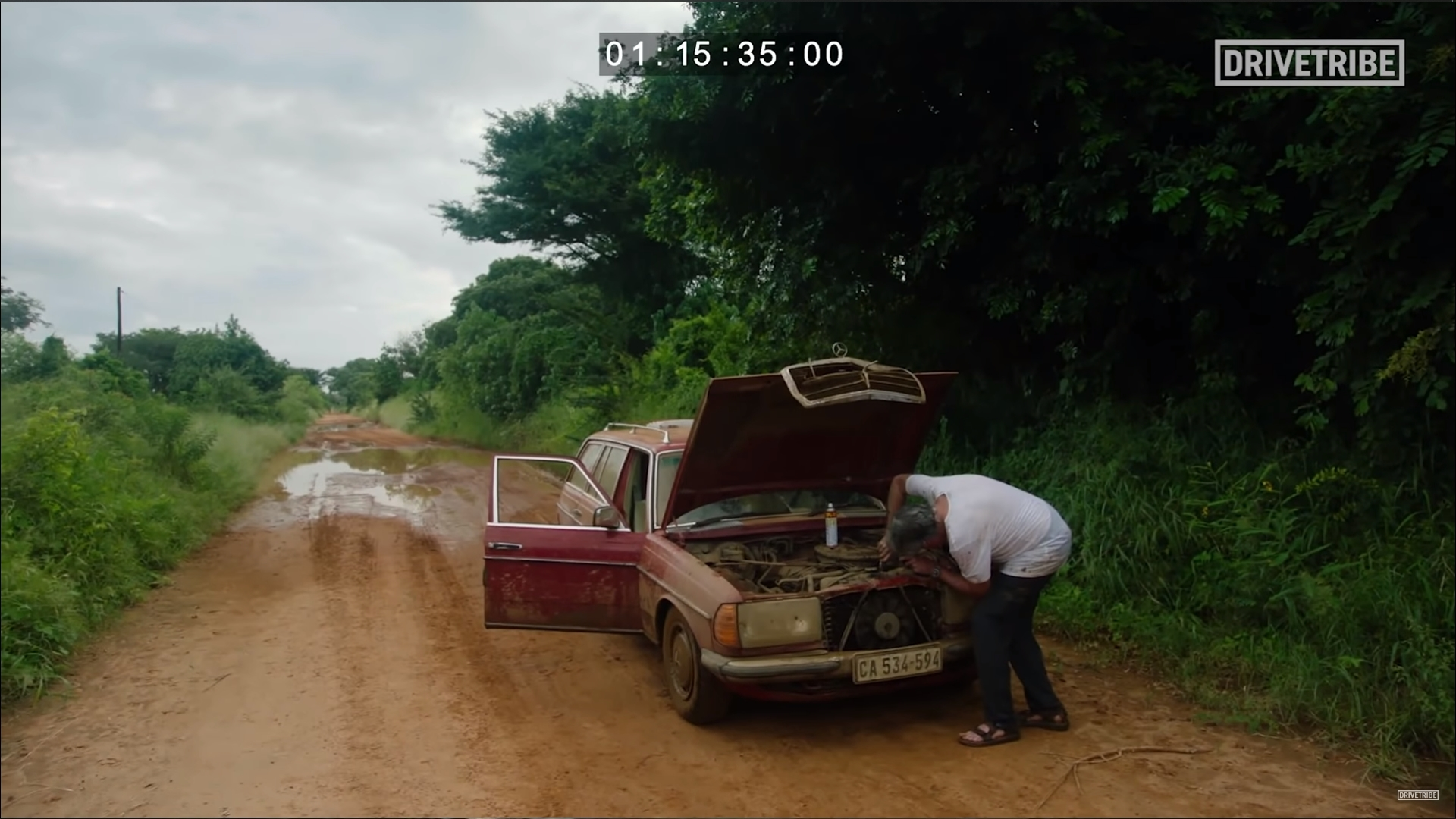 James May fixing Mercedes for The Grand Tour Mozambique special.