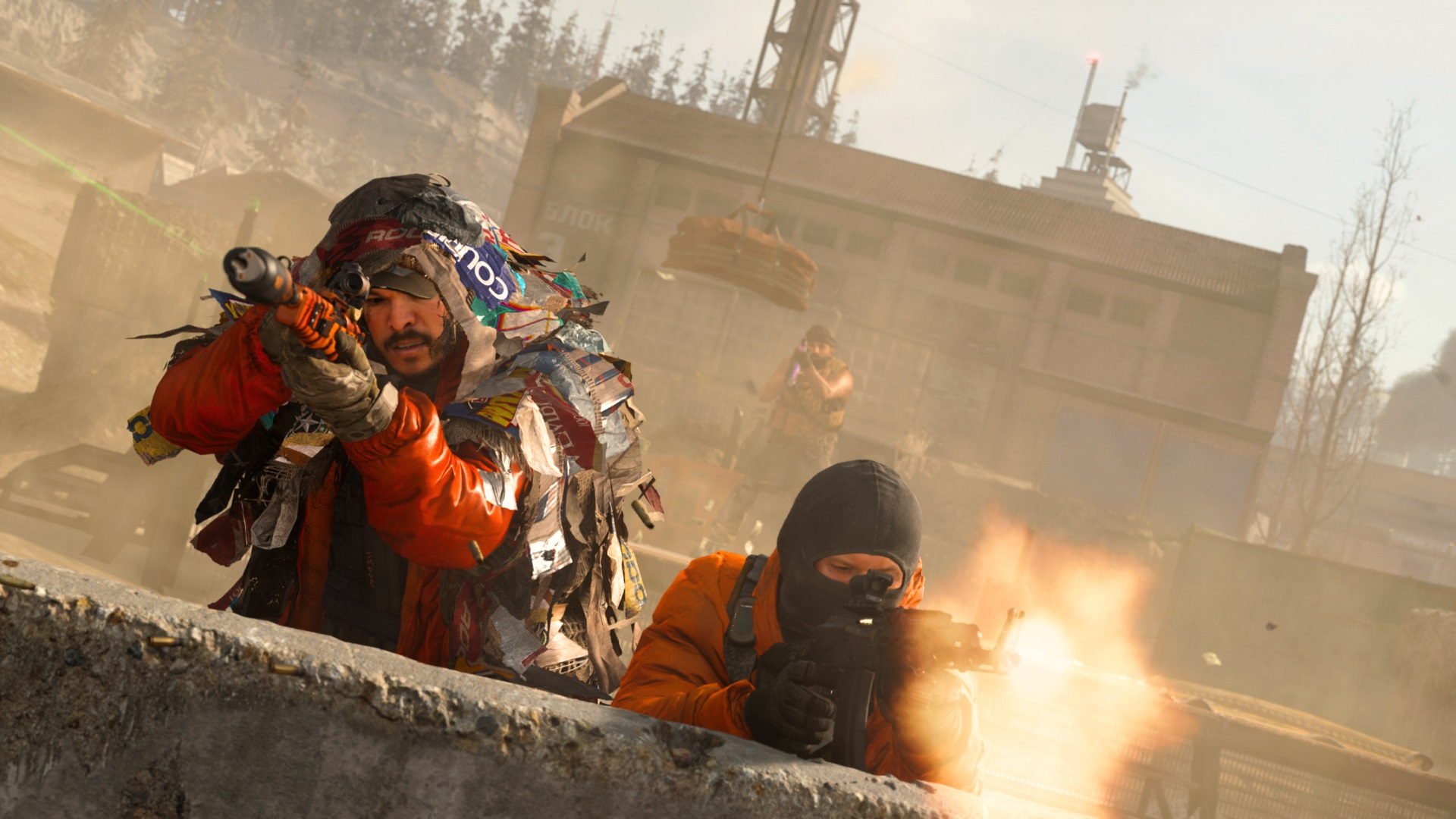 Call of Duty Warzone two players firing weapons