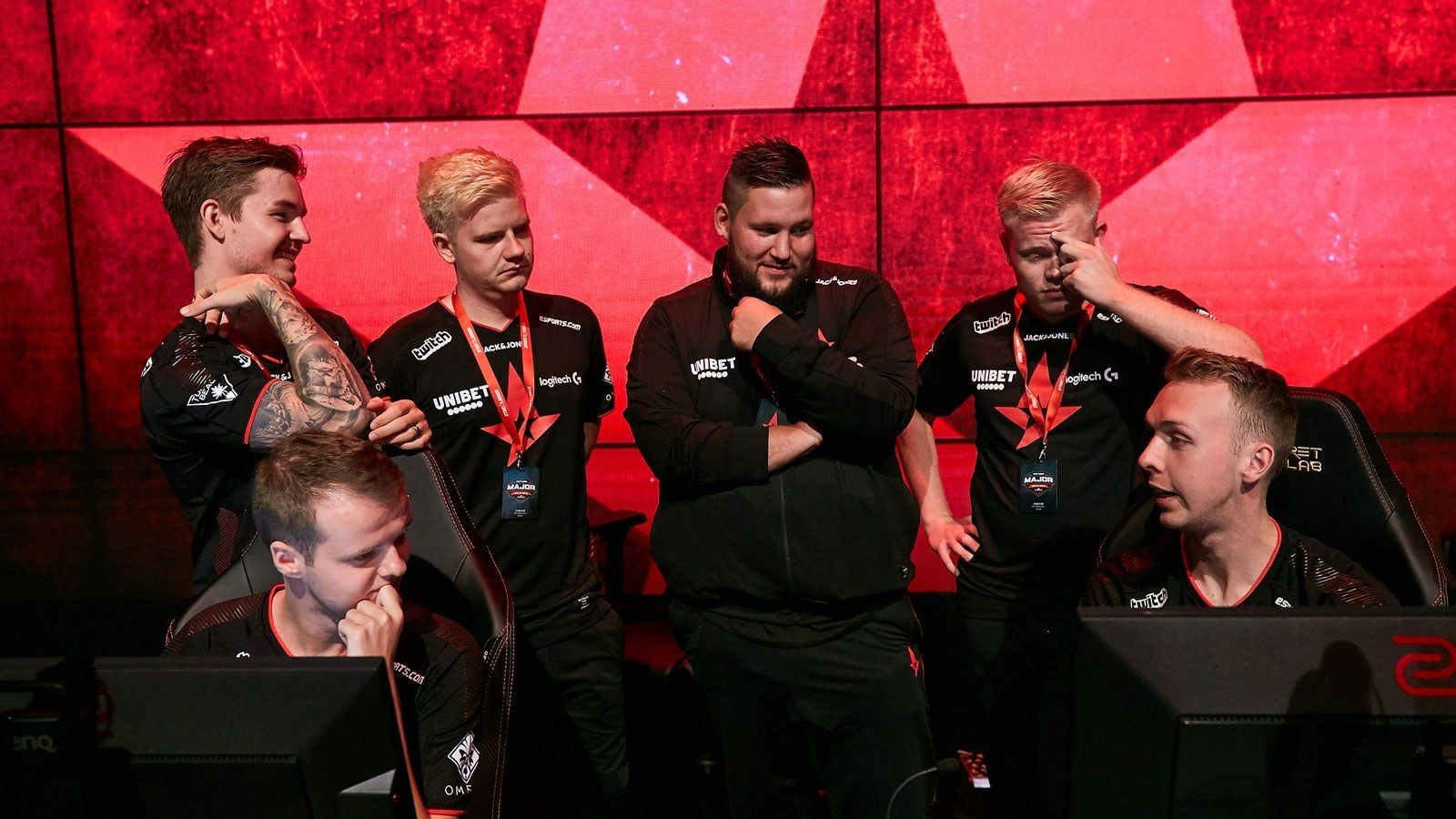 Astralis huddle at Berlin Major 2019