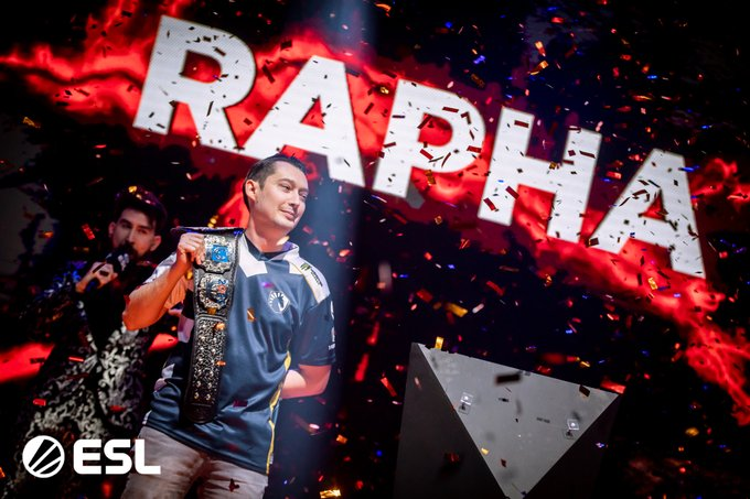 Rapha celebrating winning the Quake World Championship.