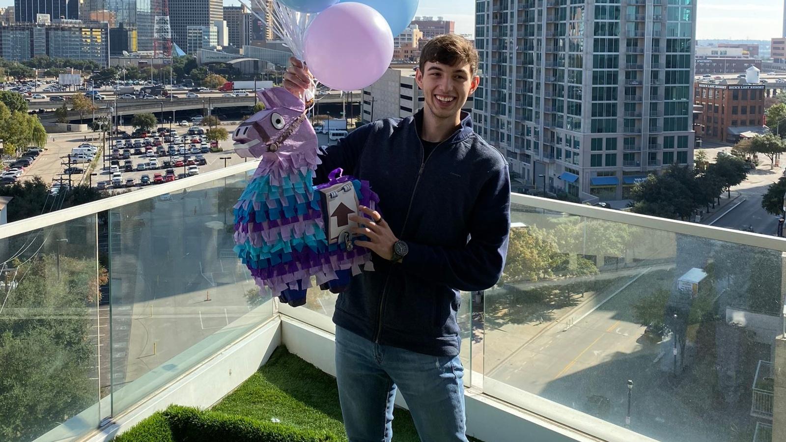Landon Nickerson Fortnite llama balloons