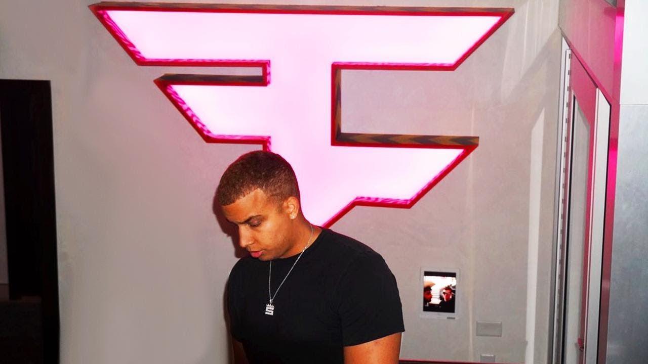 Swagg with FaZe logo