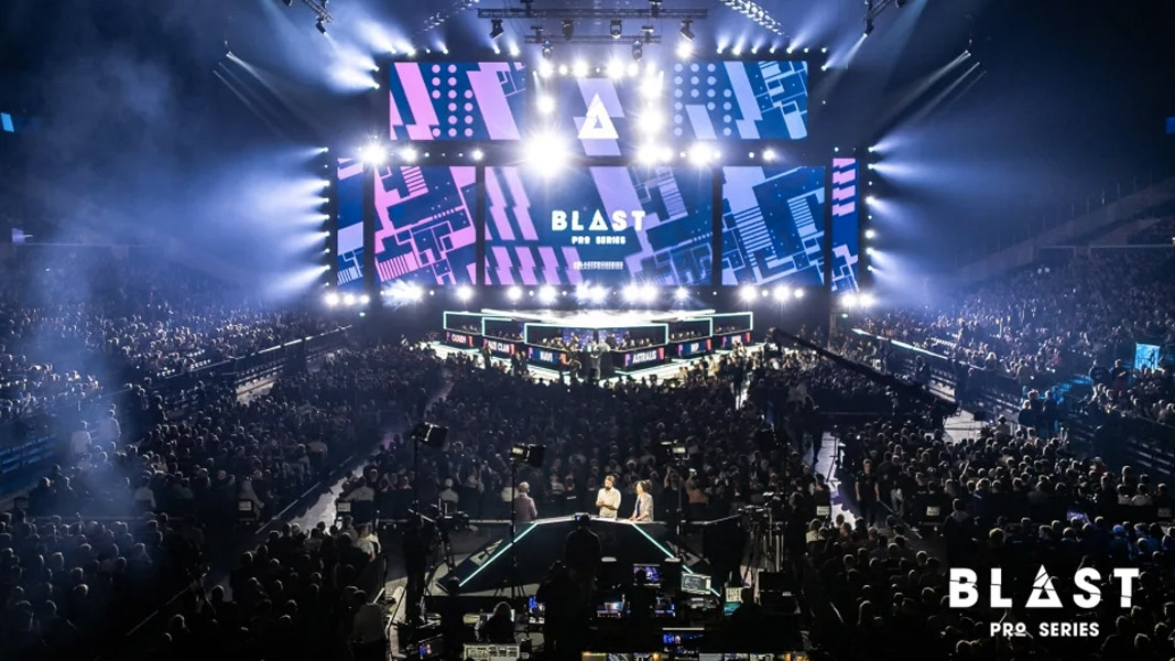Crowd and stage at a BLAST CSGO event