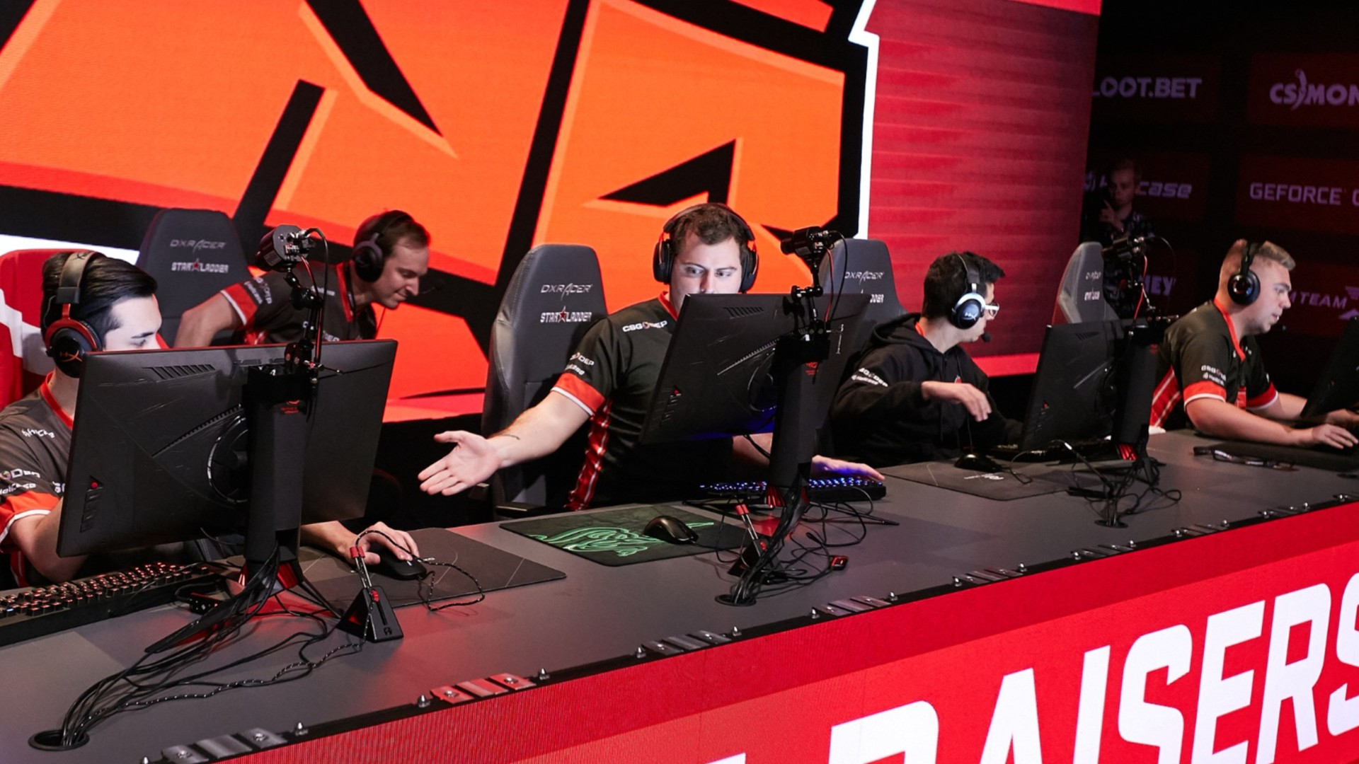 ANGE1 competing in CSGO StarLadder event.