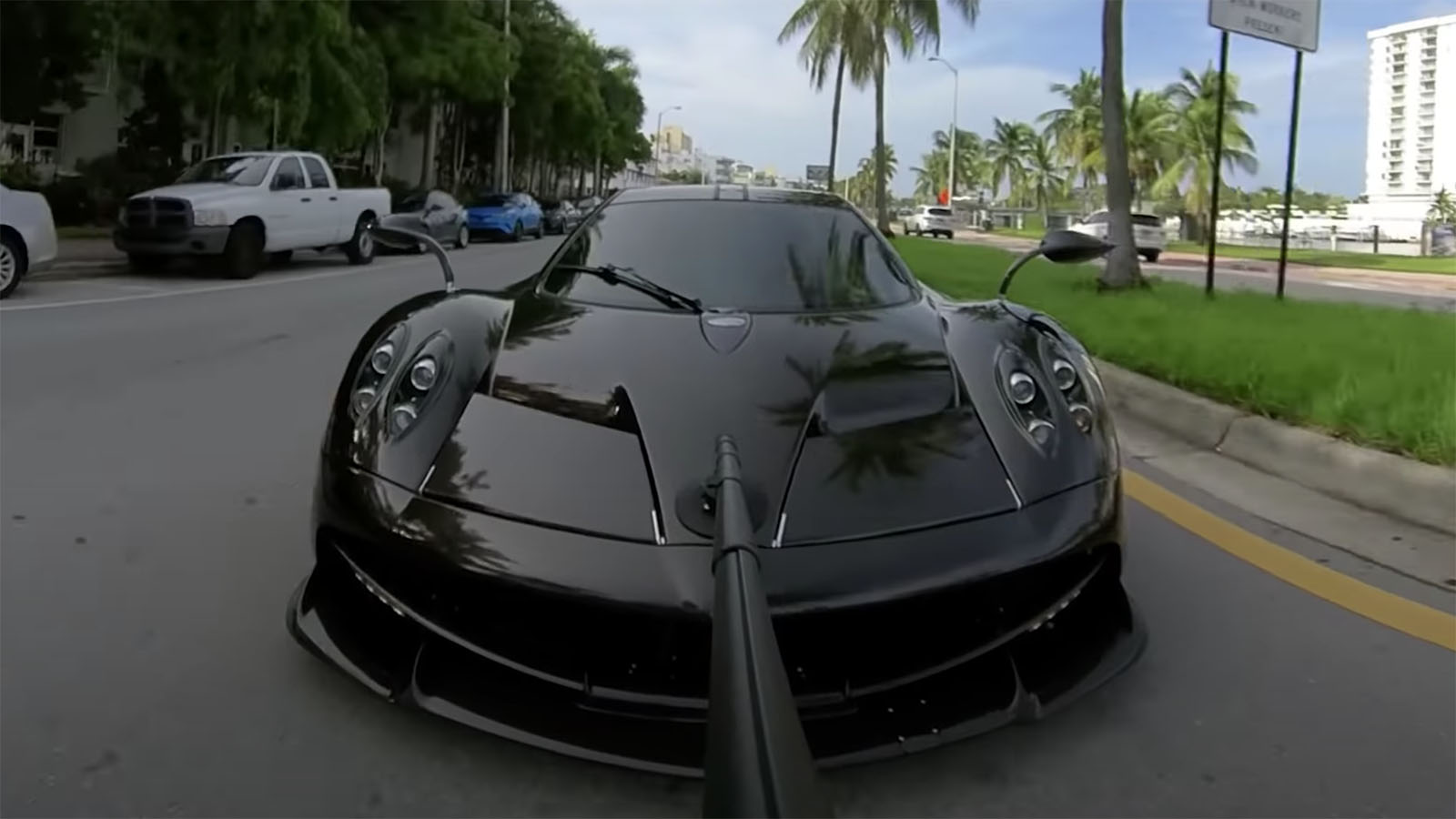 Savage Garage Huayra