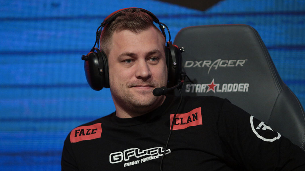 Robban as FaZe Clan's CSGO Coach