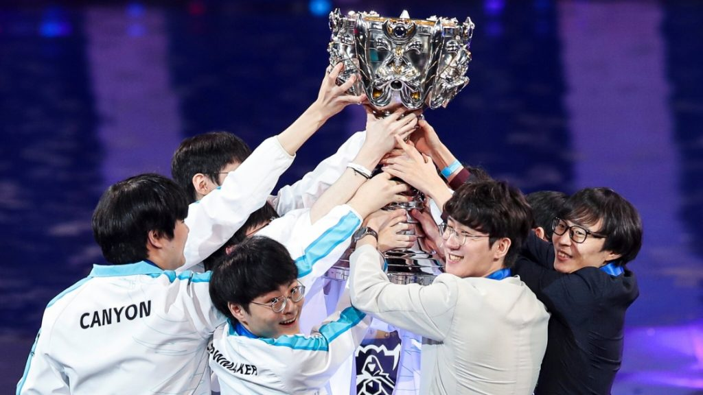 Damwon lift Summoners Cup at Worlds 2020