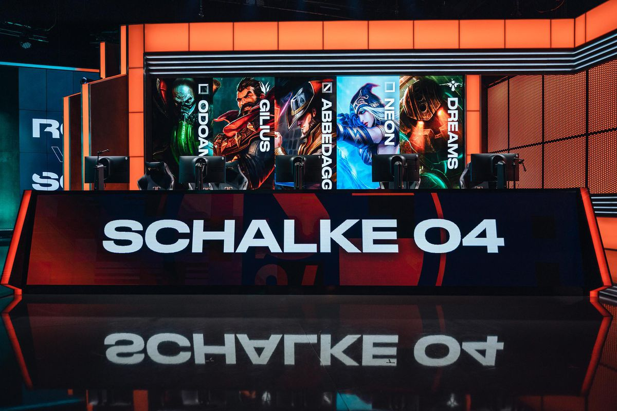 Schalke_04_selling_LEC_slot_for_20_million_euros
