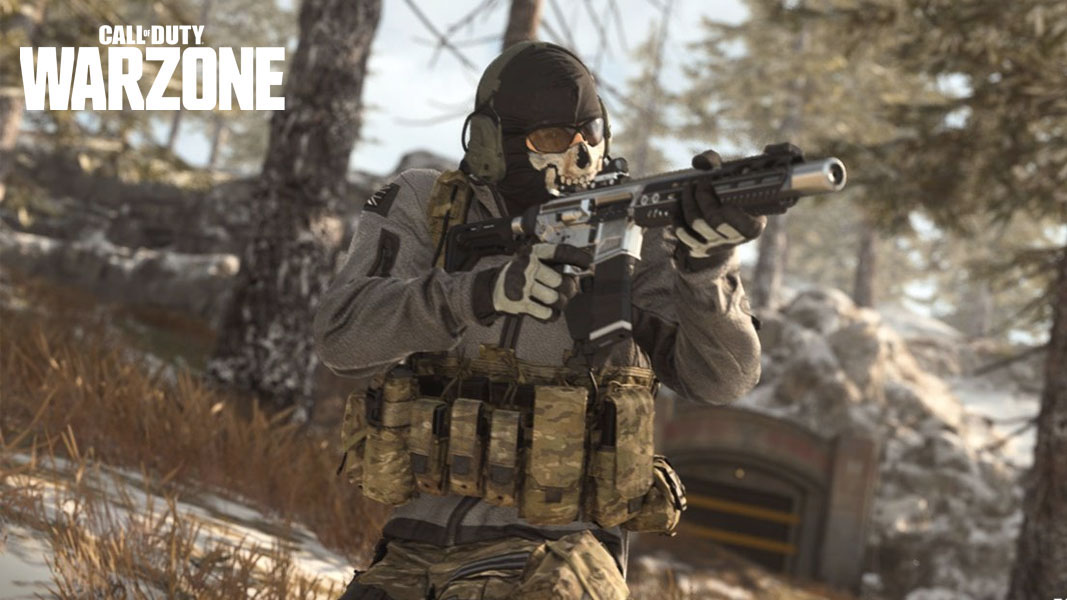 Ghost in Warzone aiming at an enemy