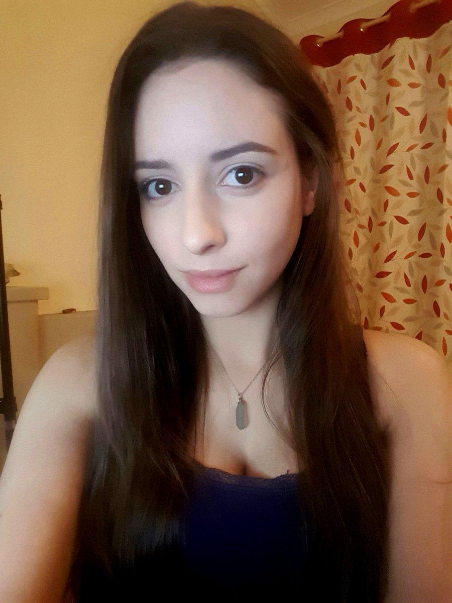 Sweet_Anita, Twitter