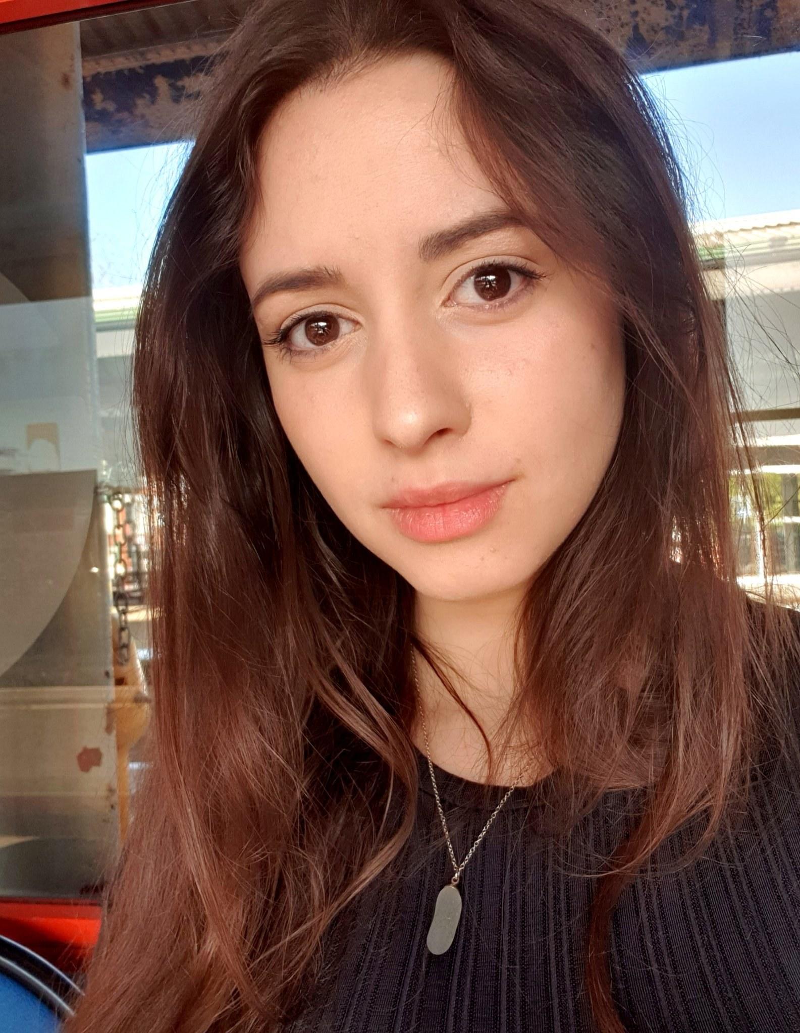 @Tweet4nita (Twitter)