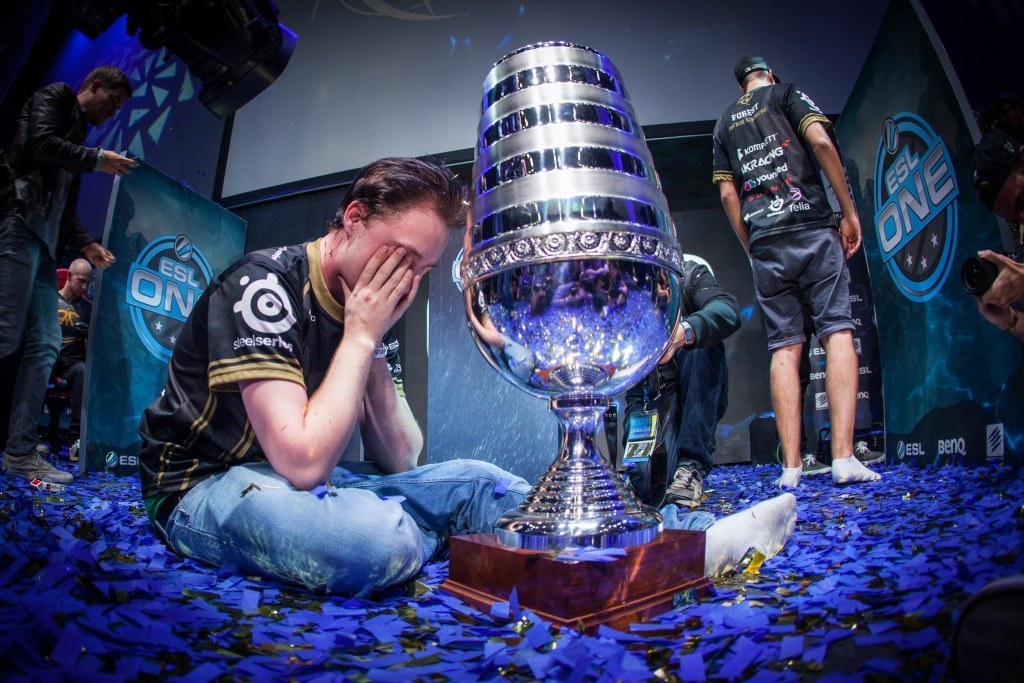 GeT_RiGhT shares emotional message to fans following NiP's elimination at ESL Cologne - Dexerto
