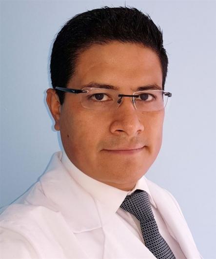 Dr. Arturo Muñoz Cobos