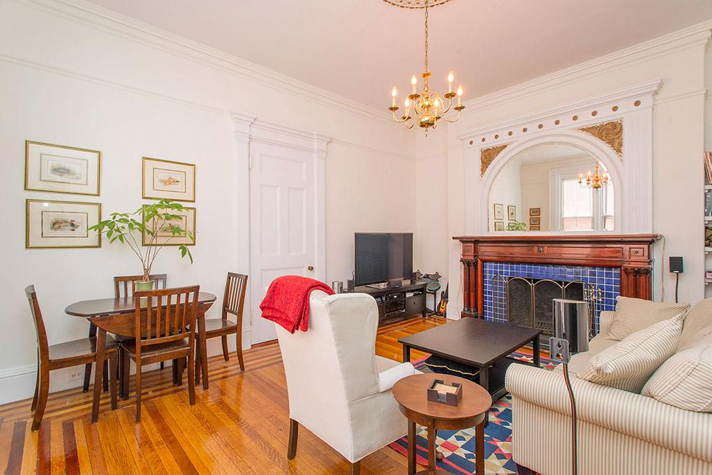 Cover image for 176 Commonwealth Avenue