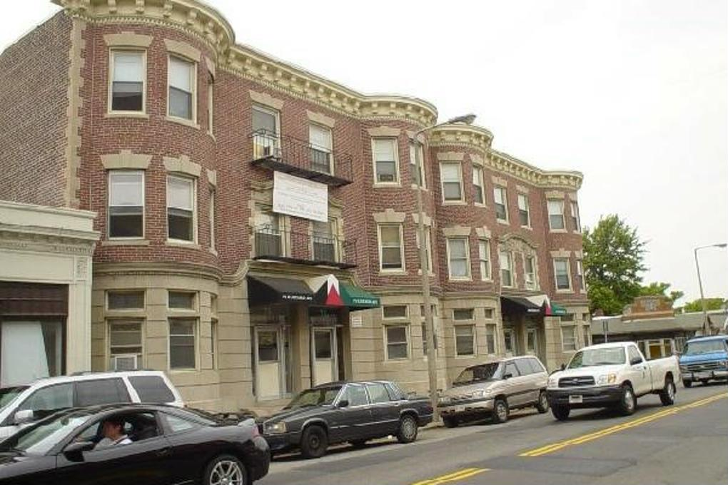 Cover image for 71 Harvard Avenue