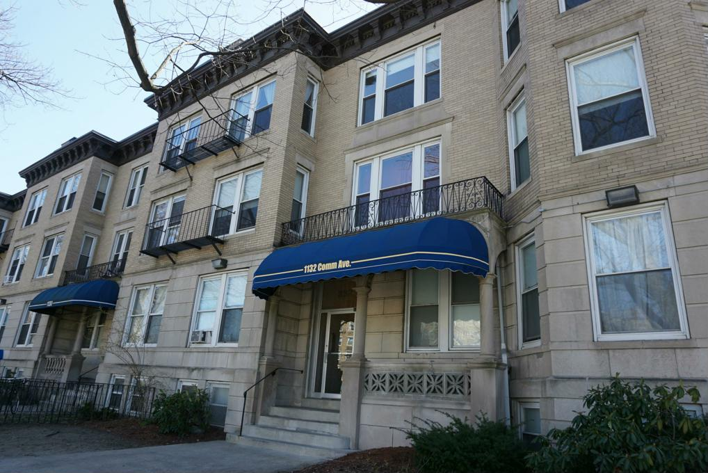 Cover image for 1132 Commonwealth Avenue