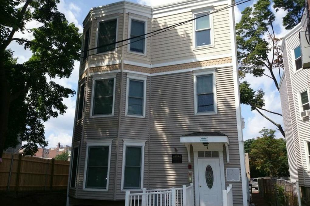 Cover image for 9 Gardner Terrace