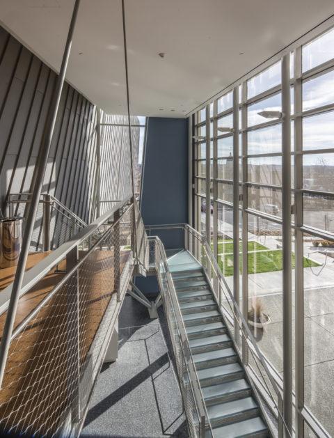 1105 Westmoreland Stair2