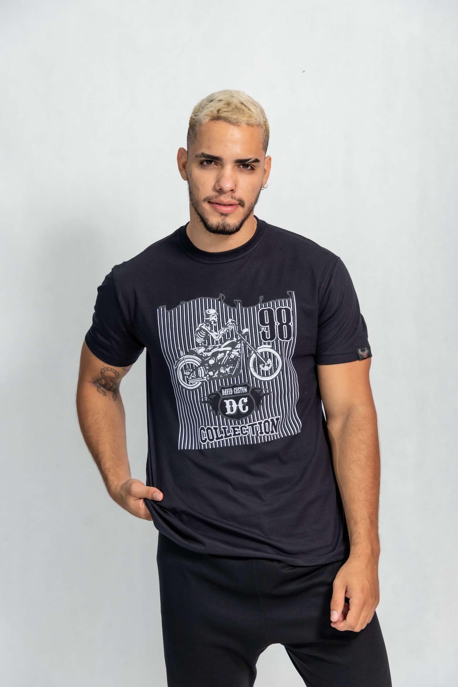 Camiseta masculina estampa Caveira de Moto Collection