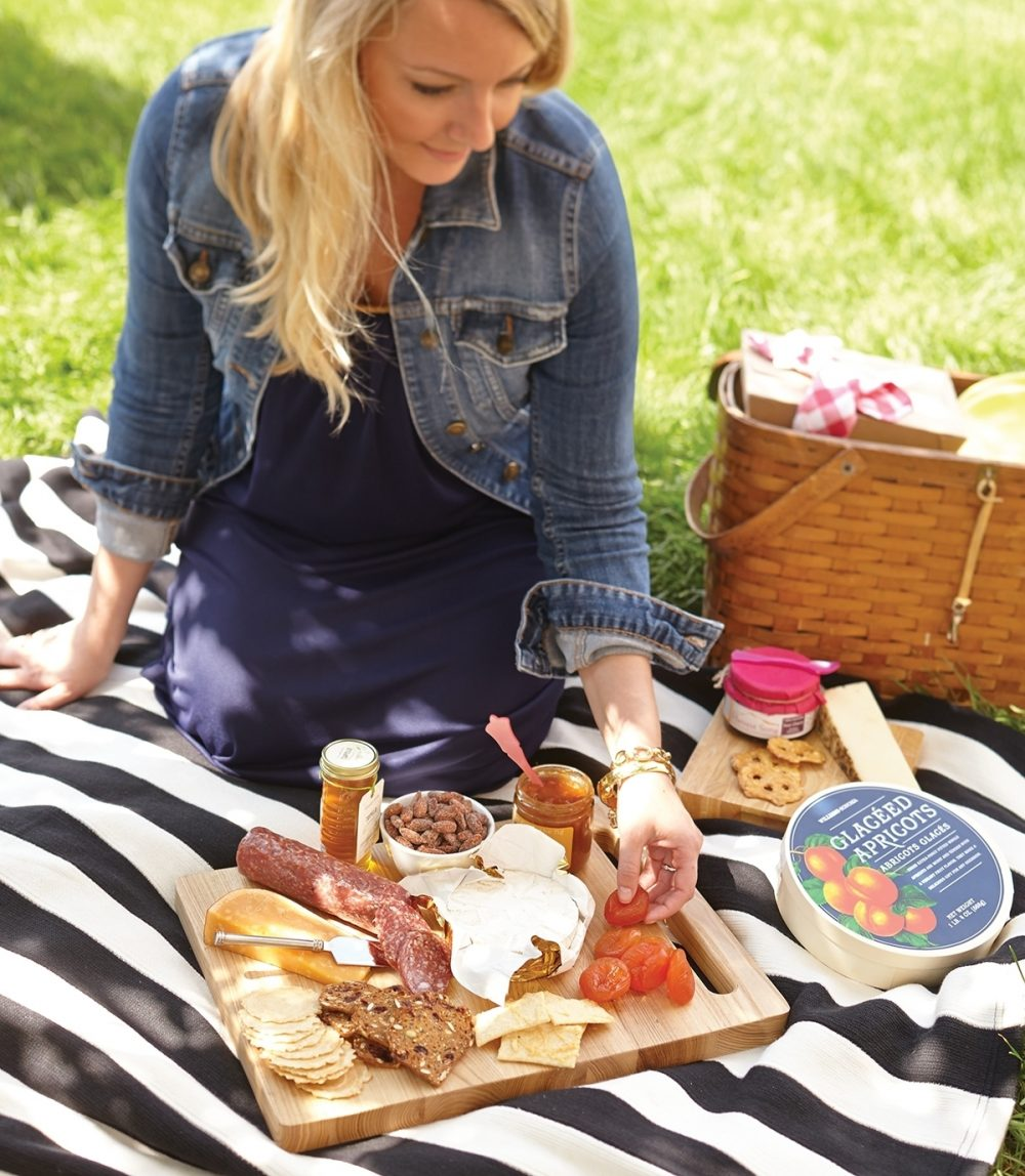 Aim higher than everyday by hosting a picnic that mixes casual presentation with special-occasion tastes, such as cutting boards loaded with gourmet textured crackers and such sophisticated toppers as artisan-style salami, Brie, smoked Gouda, apricot-fig chutney and honey.