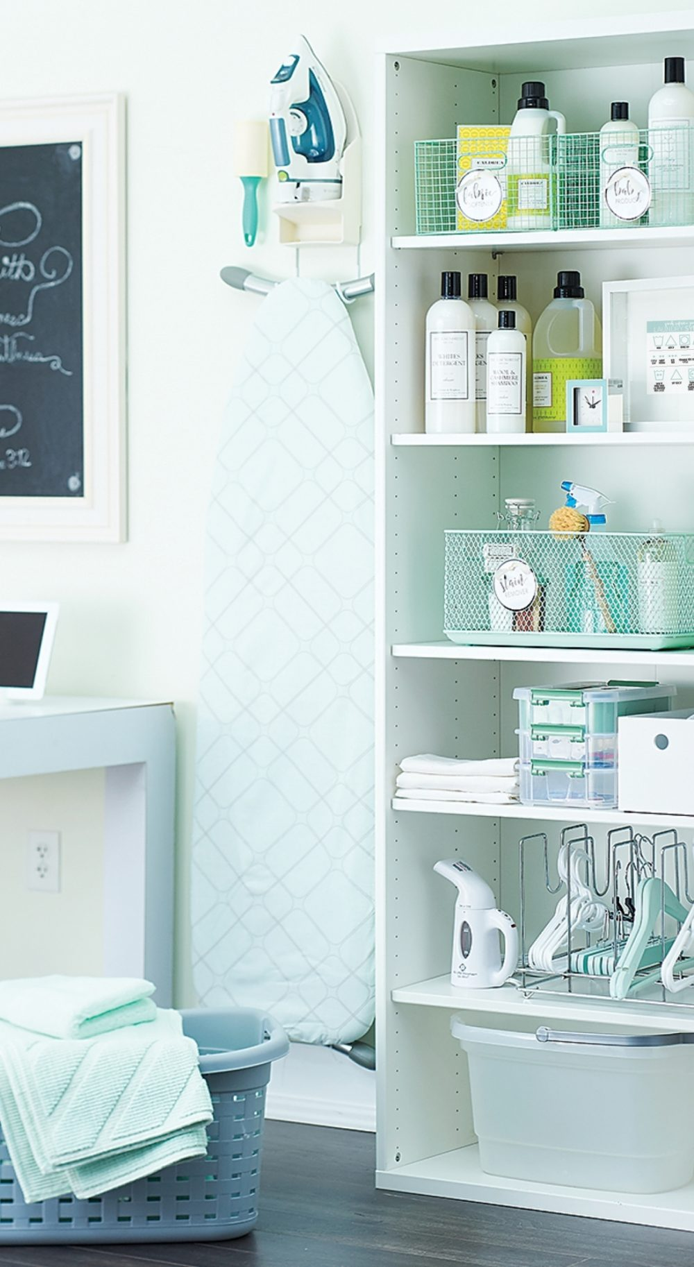 Presoak to press, doing laundry is hard work. Clean up this dirty job with a pretty, well-organized space that puts everything you need right where you need it: at your fingertips.