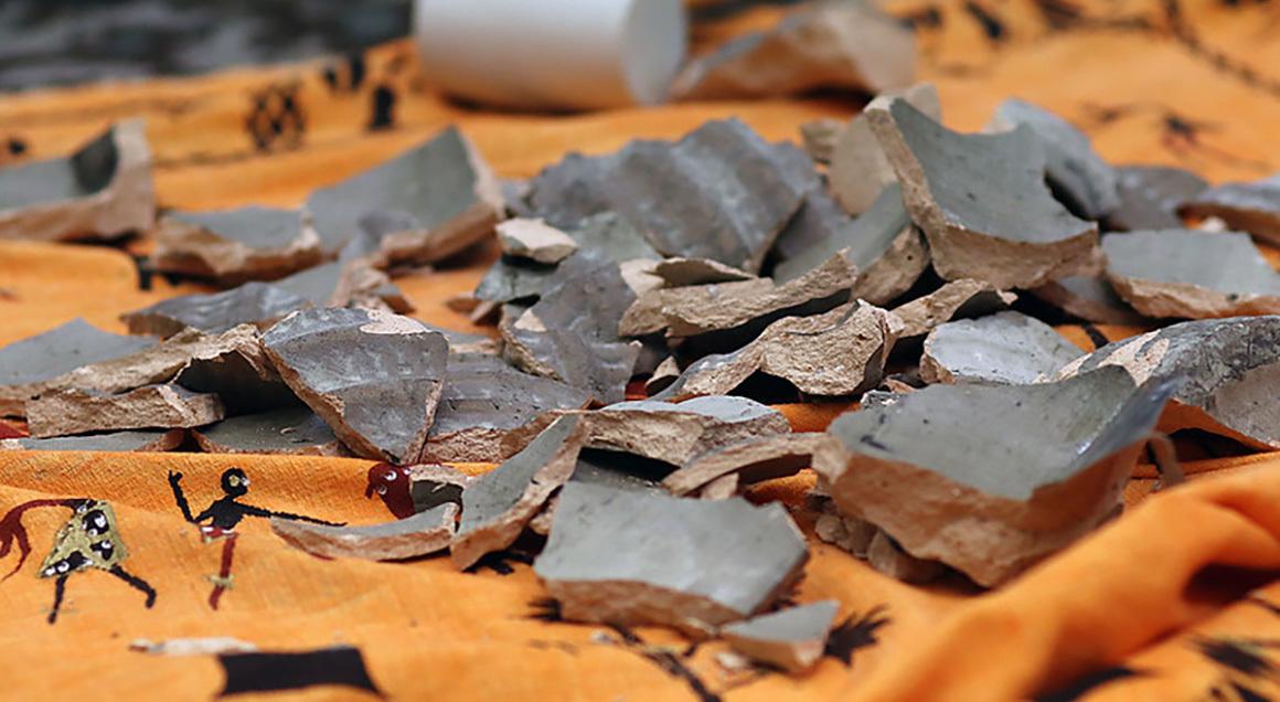 Broken clay umcom 72px